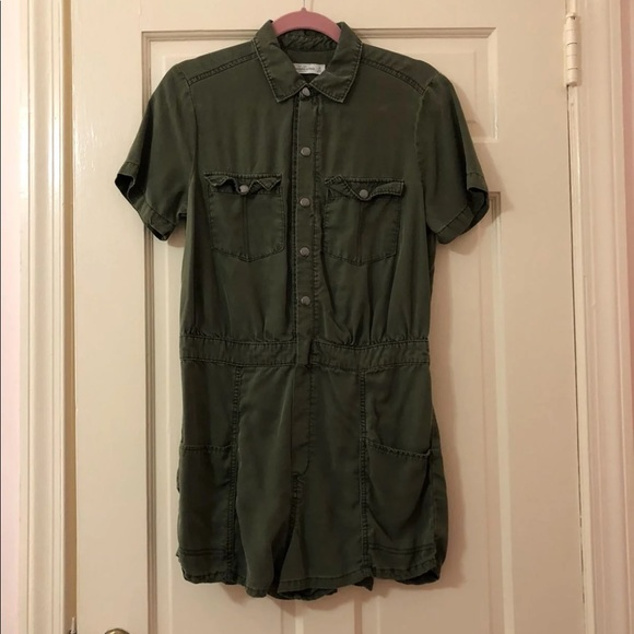 9ced7f46502 Abercrombie   Fitch Pants - Abercrombie   Fitch Green Romper
